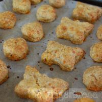 Mini cheese and carrot scones
