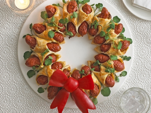 Annabel Karmel's Mini Hot Dog Christmas Wreath