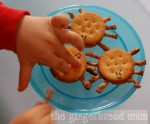 Cute lunches: Spider crackers
