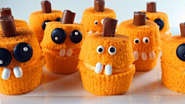 The Bearfoot Baker: Pumpkin Cakes